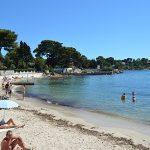 Antibes-plage-sable.jpg